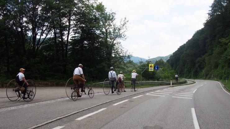 Einreihen zur Abfahrt bei Schönbühl.